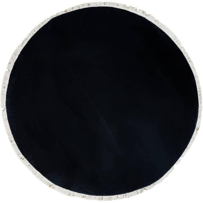 שחור עגול
